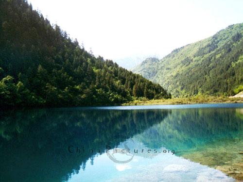 Mirror Lake Jiuzhaigou-valley-mirror-lake-40129102438361