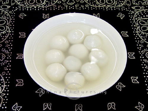 The most popular food for the Chinese Lantern Festival is yuanxiao, a kind of sweet dumpling made of glutinous rice or wheat flour.