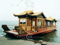 A Dragon Boat on the West Lake, Kunming is a popular tourist attraction.