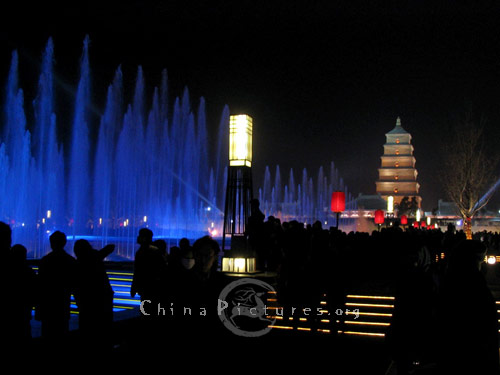 Being the biggest square in Asia, this squre possesses the biggest music fountain in the world, surrounded by architecture imitations of Tang Dynasty(618 - 907).