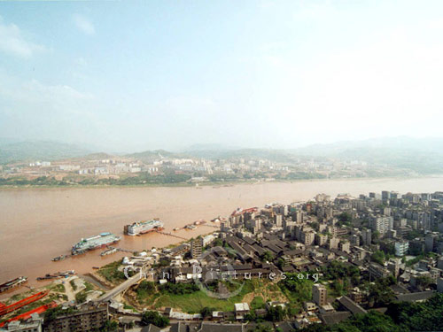 The new city and the old one are separated by the Changjiang River.